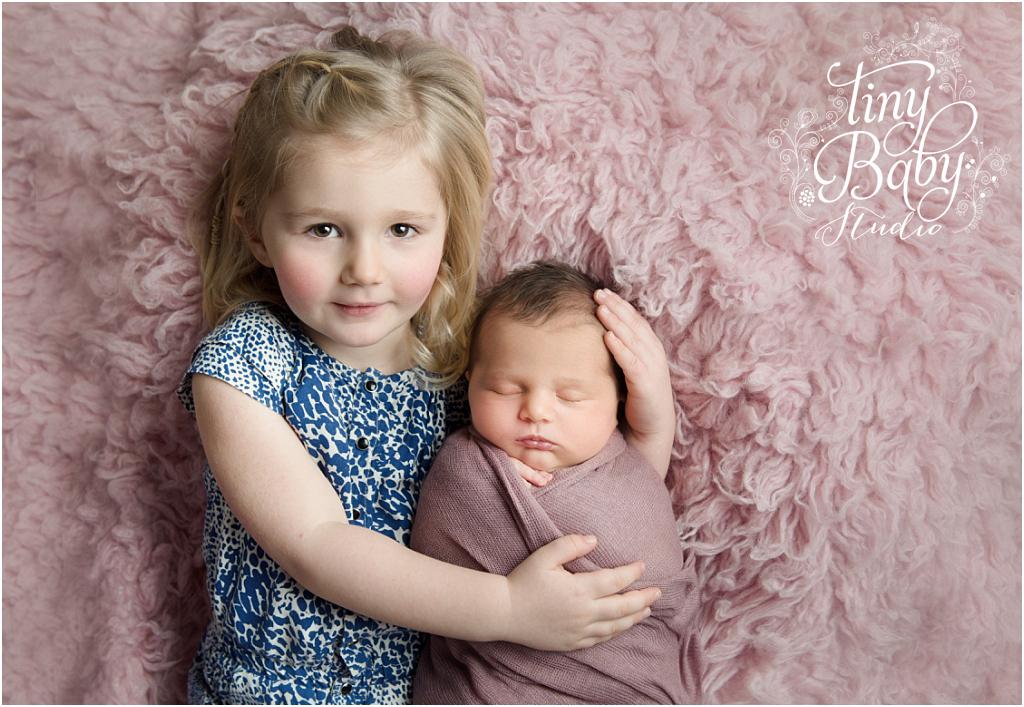 Tiny Baby Studio Newcastle newborn baby photographer big sister with newborn
