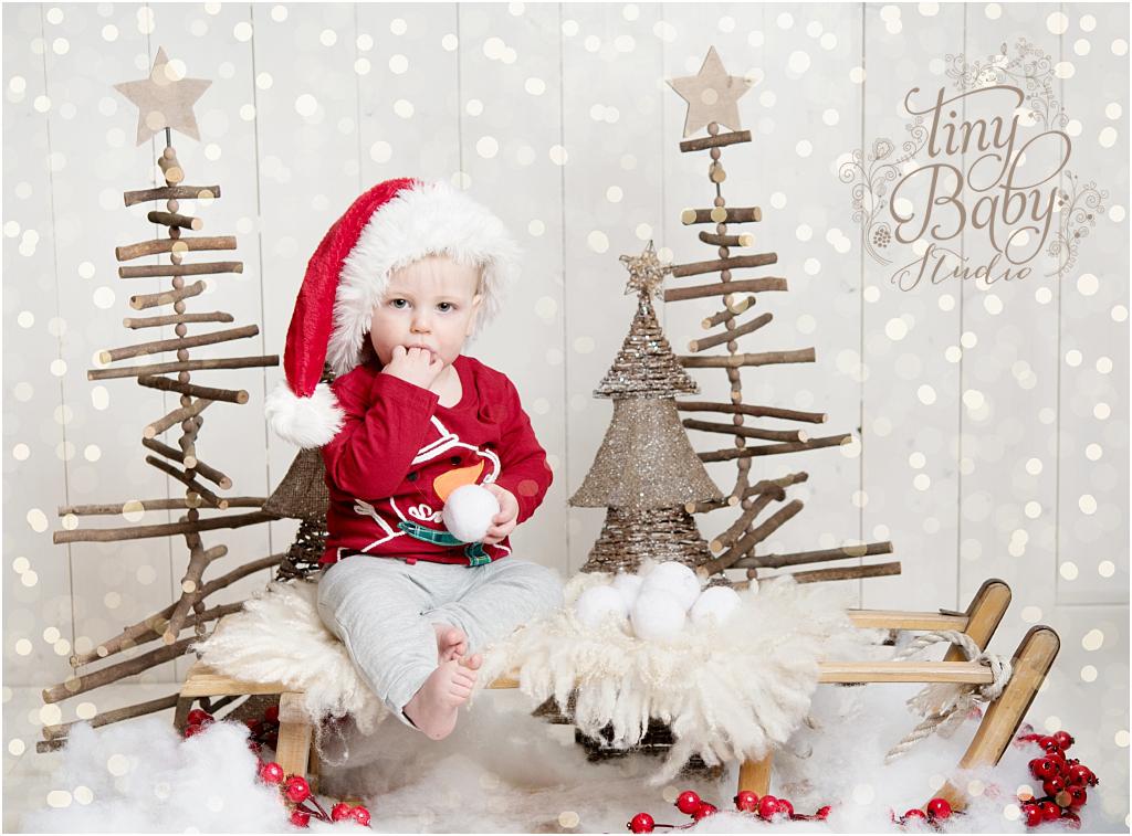 tiny-baby-studio-newcastle-newborn-baby-photographer-christmas-portrait