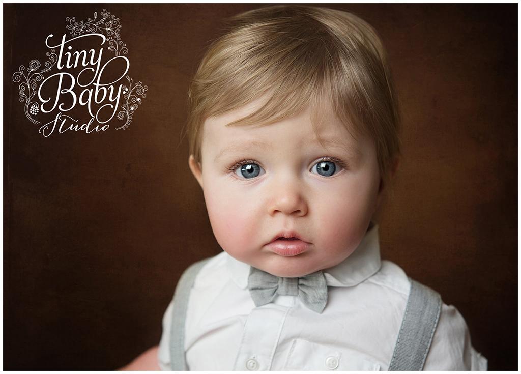 tiny-baby-studio-newcastle-newborn-baby-photographer-gorgeous-eyes