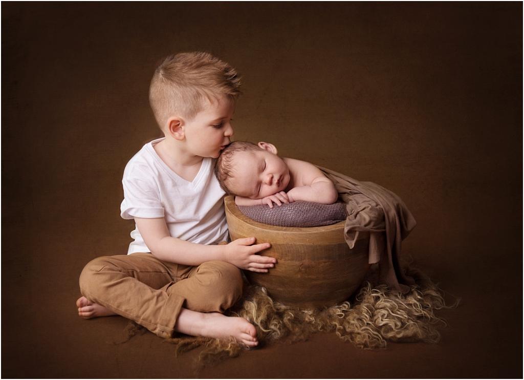 Tiny Baby Studio Newcastle Newborn Baby Photographer Siblings Kissing