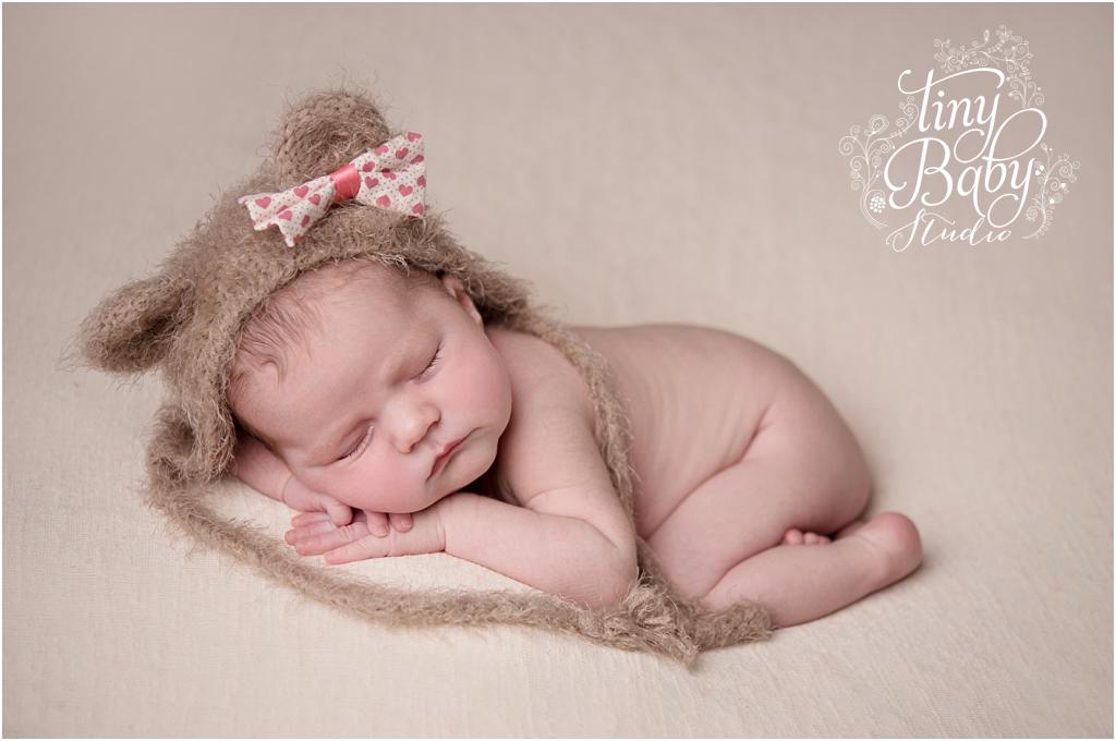 tiny-baby-studio-newcastle-newborn-photographer-baby-girl-teddy-hat