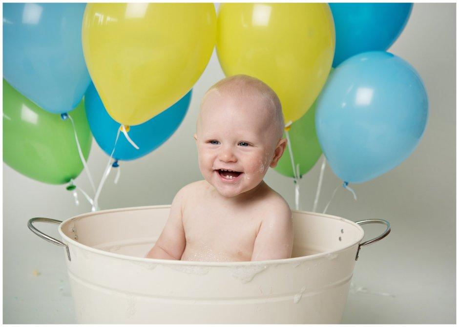 Tiny Baby Studio Newcastle Newborn Photographer Cake Smash Bath