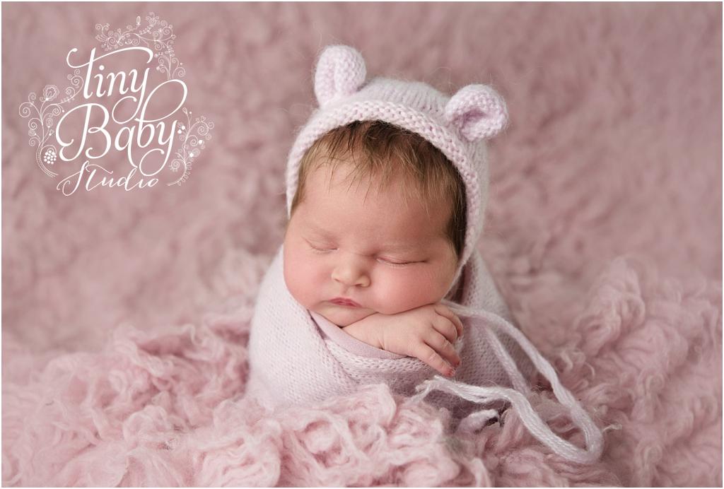 tiny-baby-studio-newcastle-newborn-photographer-pink-ears-hat